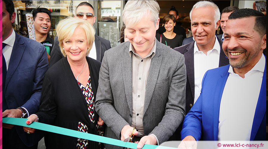 EN IMAGES. Nancy inaugure son premier salon Starbucks