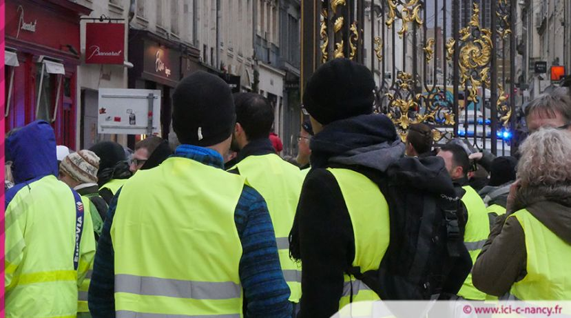 Les Gilets Jaunes sur la place Stanislas - photo CS