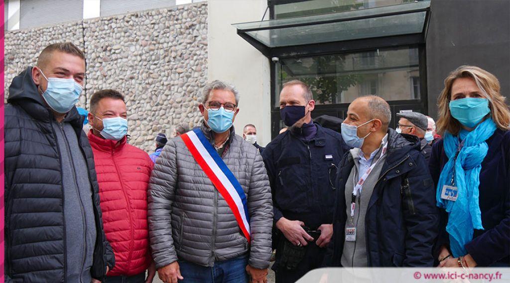 Sidération après l'attaque d'un commissariat à l'artifice — France