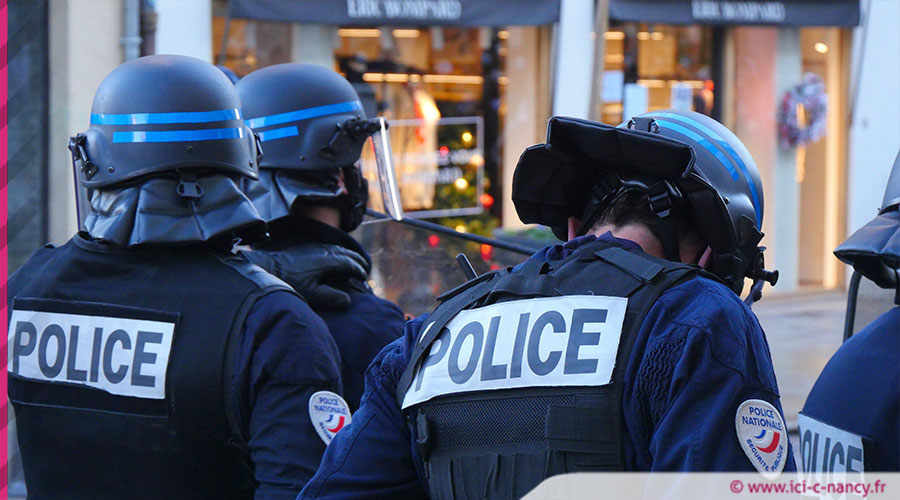 Manif281120 police