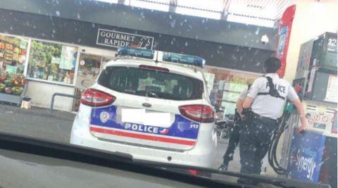 Des policiers français font le plein de leur véhicule de fonction... au Luxembourg