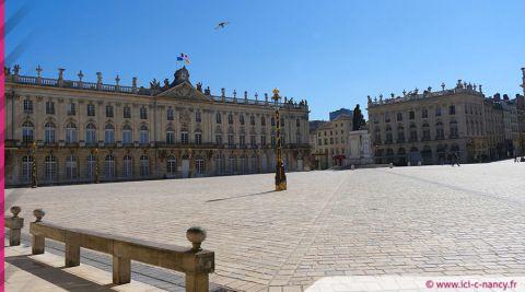 La place Stanislas de Nancy, monument préféré des Français 2021 illuminée aux couleurs du drapeau français