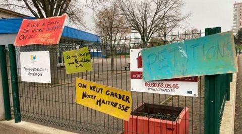 Essey-lès-Nancy : l'école de Mouzimpré manifeste pour garder Maîtresse Mélanie