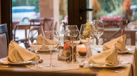 Les cafés, bars et restaurants vont pourront rouvrir le 2 juin